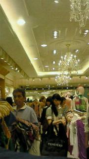 お買い物〜♪